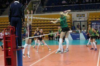 «Уралочка-НТМК» провела первый матч в новом году