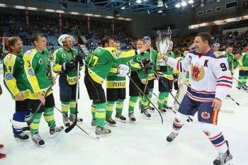 Благотворительный хоккейный «Матч всех звёзд» помог собрать полмиллиона рублей
