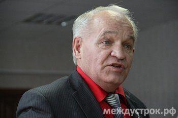 «Не той гнилой гниде судить о моей работе». Тагильский депутат-сталевар ищет автора оскорбившей его «поганой статьи»