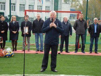 Подрядчик: Достроить школьный стадион «своими силами» предложил глава ГГО Николай Кулиш