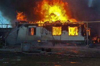 Из-за поджога частного дома в Верхотурье погибли двухлетняя девочка и её дед