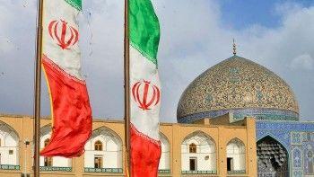 Иран отменяет визы для туристических групп из России