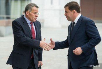 Свердловский губернатор в четыре раза увеличил зарплаты своим заместителям