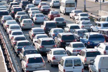 Из-за дорожной службы Нижнего Тагила Черноисточинское шоссе встало в двухкилометровой пробке (ВИДЕО)
