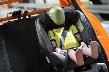 ГИБДД разрешит перевозить детей старше 7 лет без автокресла