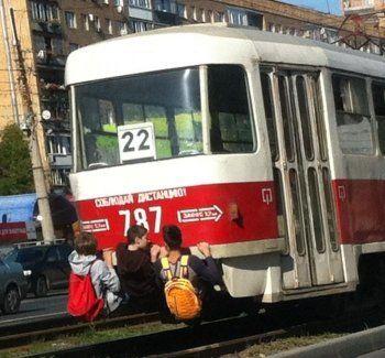 Двое подростков парализовали трамвайное движение в Нижнем Тагиле