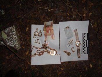 В Нижнем Тагиле воры забрались к жертве через балкон и выкрали золото на миллион рублей (ФОТО)