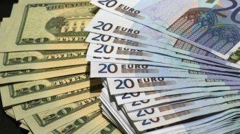 Евро и доллар снова подскочили в цене