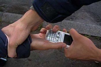 В Нижнем Тагиле бывший зэк «увёл» у подростка телефон за 28 тысяч рублей