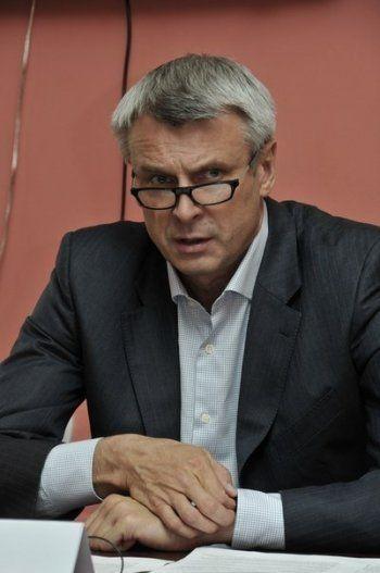 Мэр Нижнего Тагила Сергей Носов предложил запретить частные расчётные центры