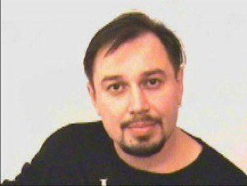 В Нижнем Тагиле скончался Юрий Козин. Друзья и коллеги о жизни, трагедии и последних днях лидера культовой группы 90-х «Полицейская академия»