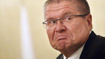 Мосгорсуд оставил Улюкаева под домашним арестом и отказал ему в интервью СМИ