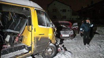 Видеорегистратор снял момент столкновения KIA и пассажирской «Газели» в Екатеринбурге