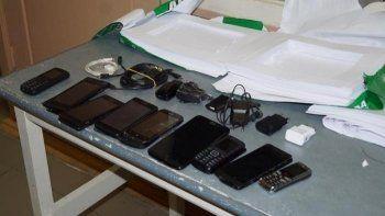 Женщина пыталась пронести на территорию колонии в Нижнем Тагиле сразу 9 телефонов