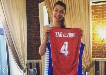 Волейболистка сборной России Ирина Заряжко передала свою олимпийскую форму больной раком 10-летней девочке из Нижнего Тагила