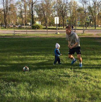 Футболист Олег Шатов во второй раз стал отцом
