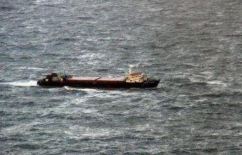 В Керченском проливе потерпел крушение сухогруз с 12 членами экипажа