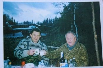 Россель и Чеканов увековечили себя в камне. Ветераны возмущены