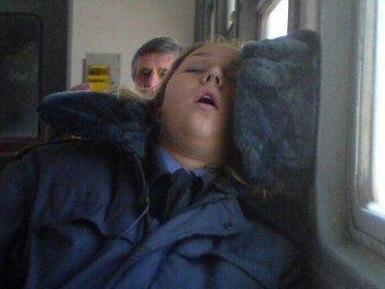 В Нижнем Тагиле майор юстиции устроила пьяный дебош в автобусе. «Тронешь меня – будет плохо» (ВИДЕО)