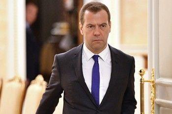 Медведев поручил продлить продуктовое эмбарго ещё на 1,5 года