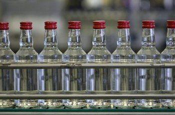 Минфин: Около 30% алкоголя в России продаётся нелегально