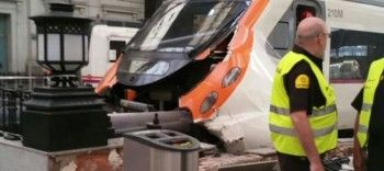 В Барселоне 48 человек пострадали из-за врезавшейся в перрон электрички (ВИДЕО)