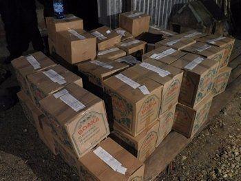 Правоохранители накрыли подпольный цех под Екатеринбургом с палёным алкоголем на 45 млн рублей