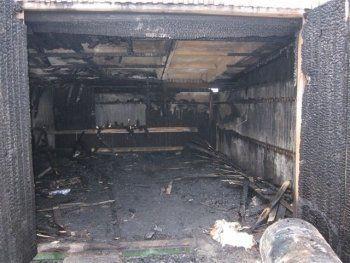 Житель Нижнего Тагила задохнулся при пожаре в гараже