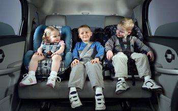 В Госдуме предлагают отменить автокресла для детей-акселератов
