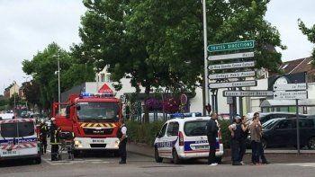 Во Франции полиция застрелила захватчиков в церкви