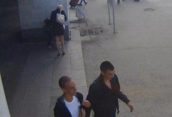 В Нижнем Тагиле ищут парней, которые под «прицелом» видеокамеры украли деньги из кассы на вокзале Екатеринбурга