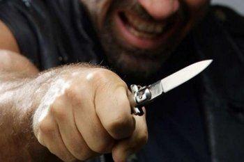 В пансионате Нижнего Тагила душевнобольной зарезал мужчину из-за мобильника