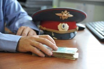 В Екатеринбурге сотрудник полиции вымогал у ветеринара 1,5 миллиона рублей