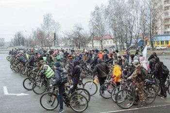 По улицам Нижнего Тагила проехали 300 велосипедистов