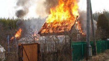 Во время пожара в дачном доме на Капасихе погиб пенсионер