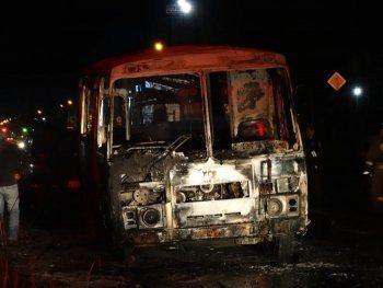 В Верхней Салде сгорел автобус (ВИДЕО, ФОТО)