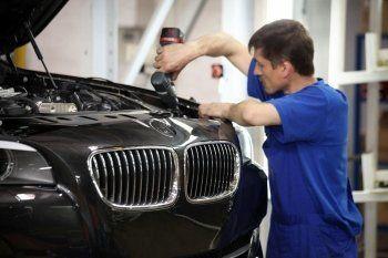 «Ведомости» сообщили о планах BMW построить в России завод полного цикла