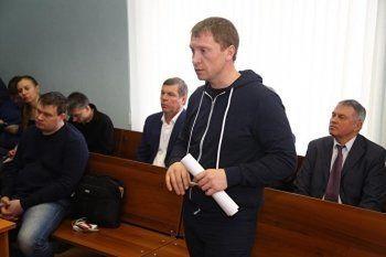 Суд арестовал Обухова по обвинению шансонье Новикова