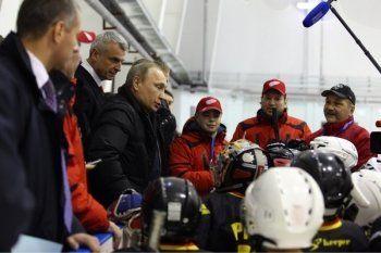 «Путинский» спорткомплекс в Нижнем Тагиле оказался не по карману малообеспеченным семьям. Родители молодых хоккеистов направили петицию в гордуму