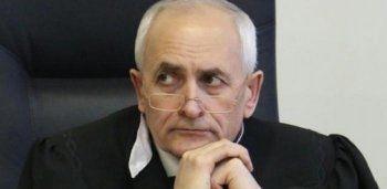 В Омске покончившего с собой судью посмертно обвинили в убийстве