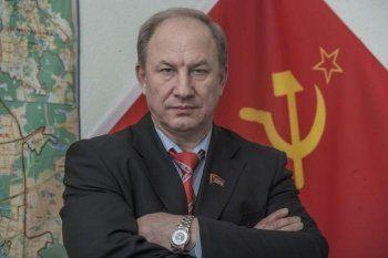 Депутат от КПРФ попросил СК проверить «империю Медведева»