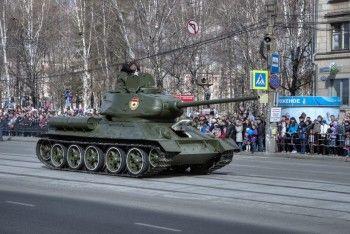 На 70-летие Победы Носов хочет больше танков и думает, как обойти закон