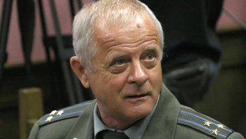 Полковника Квачкова осудили ещё на полтора года строгого режима за экстремизм