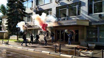 «Левый блок» заблокировал здание Роскомнадзора (ВИДЕО)