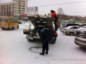 Коммунальщики Нижнего Тагила будут посыпать дороги новым противогололёдным реагентом. Его качество оценил Владимир Путин