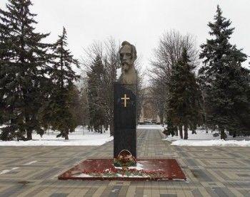 Краснодарского активиста арестовали за прикреплённый к бюсту Дзержинского крест