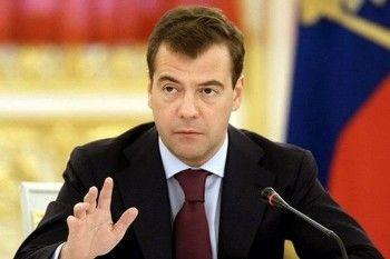Медведев объявил о «поэтапном» снятии антитурецких санкций
