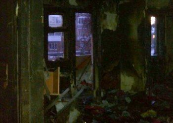 У многодетной тагильчанки из сгоревшей квартиры временно забрали детей
