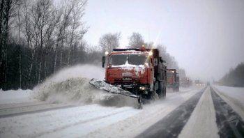 Свердловский губернатор отчитал дорожников за нечищеные трассы