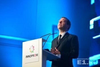 Из-за Медведева целый павильон Иннопрома заблокировали для участников. «Мы заплатили большие деньги за стенд, это беспредел»